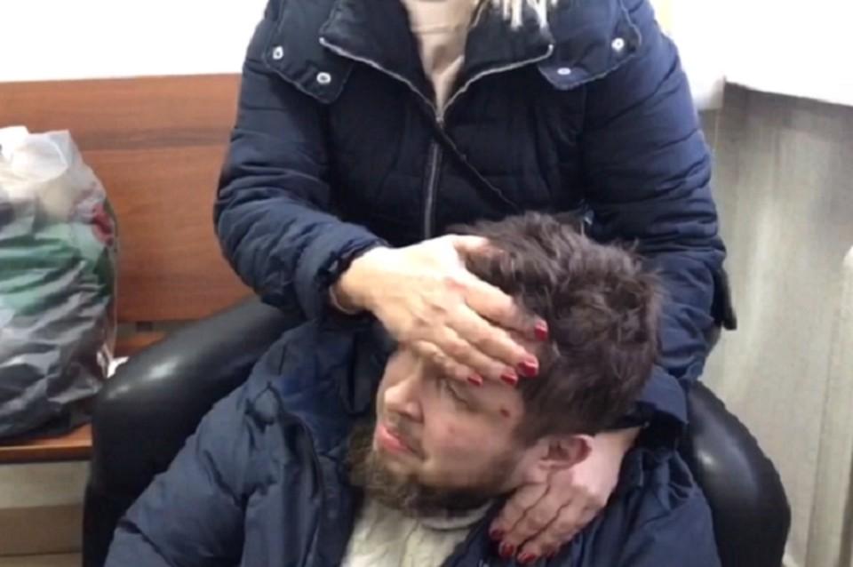 Всеволод Могучев утверждает, что его запугивали и требовали, чтобы он отрекся от бывшего схиигумена. Фото: скриншот видео