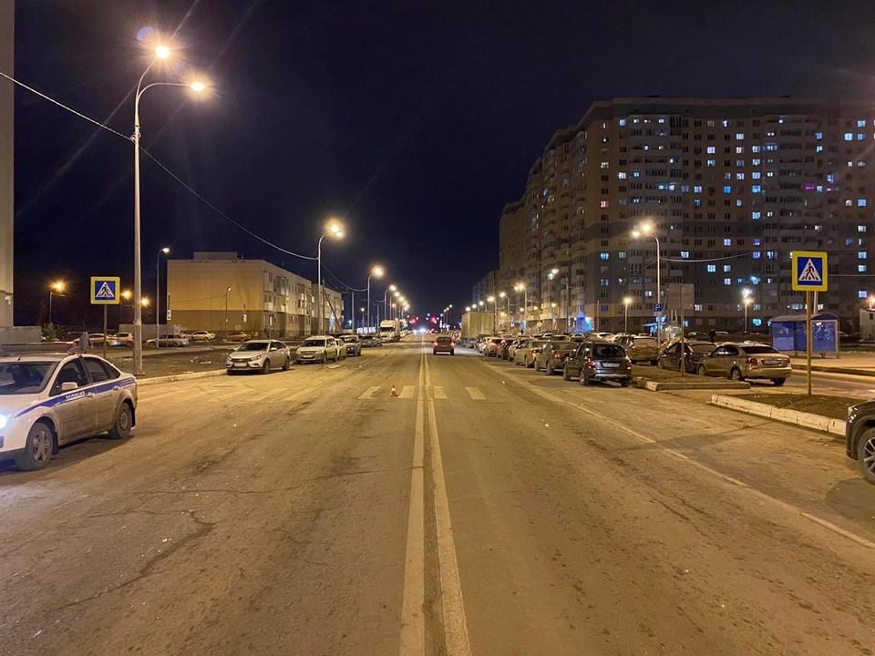 В Самаре на пешеходном переходе сбили молодую женщину. Фото - ГУ МВД России по Самарской области