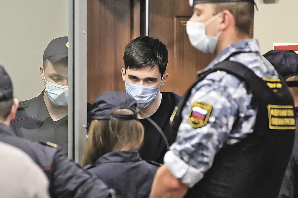 Здоров ли психически казанский убийца, теперь будут выяснять врачи. Фото: Alexey NASYROV/REUTERS