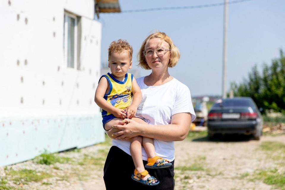 2-летний Тимофей называет свою бабушку мамой. Фото: Фонд святой Екатерины