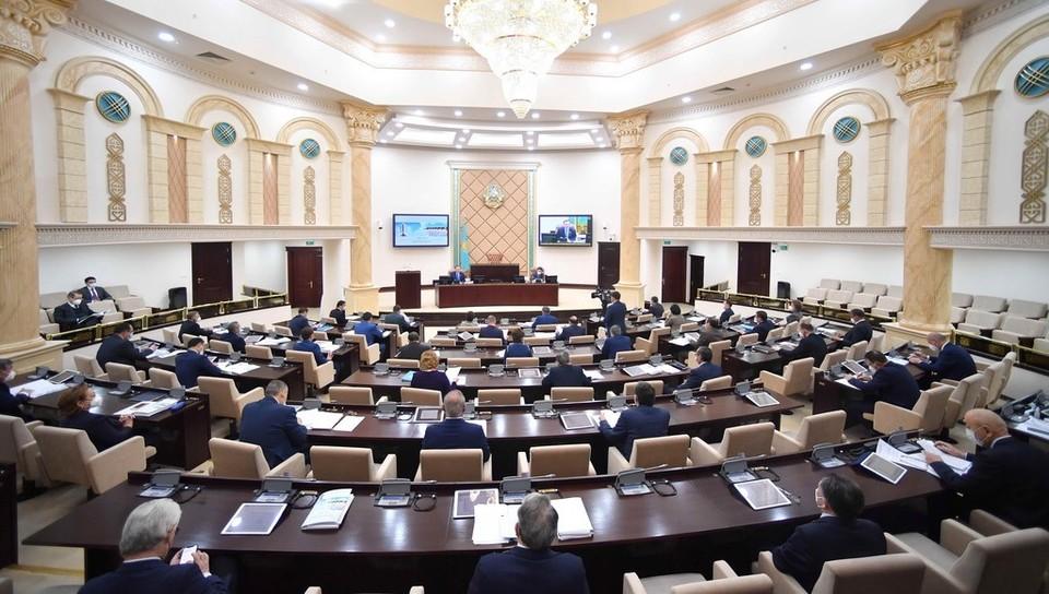 Сенат освободил от должности Талгата Жакана. Фото: senate.parlam.kz