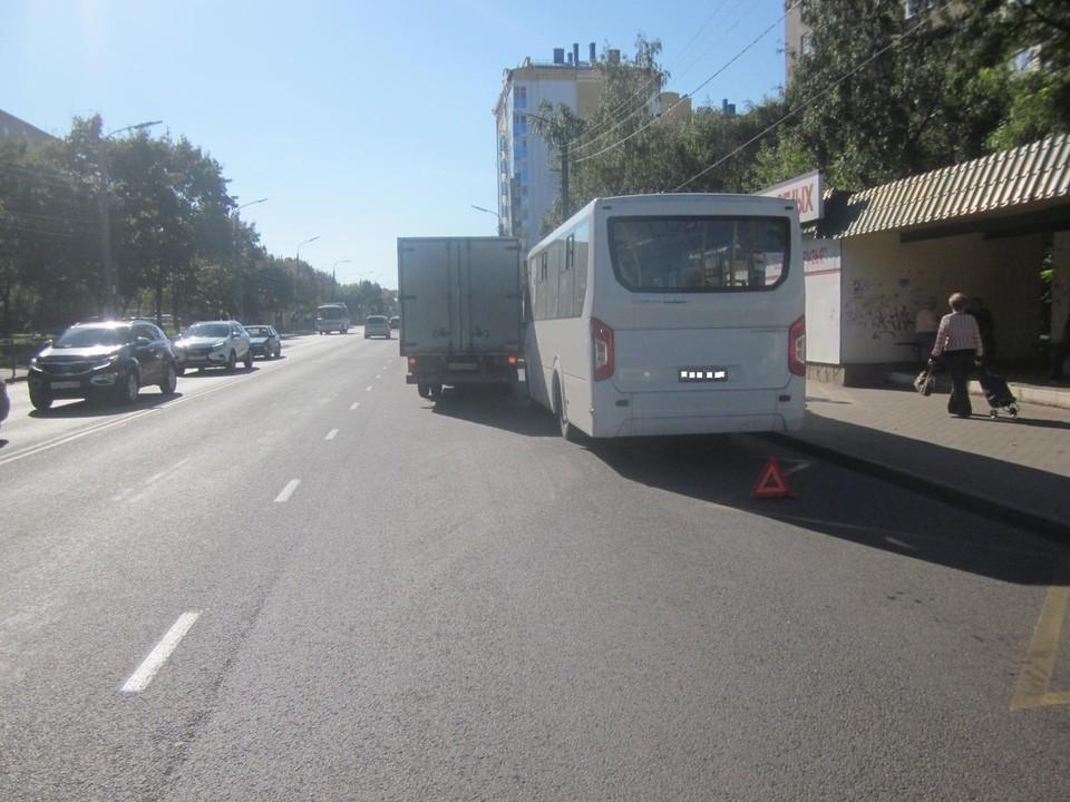 Пожилая женщина пострадала при ДТП с маршрутным автобусом