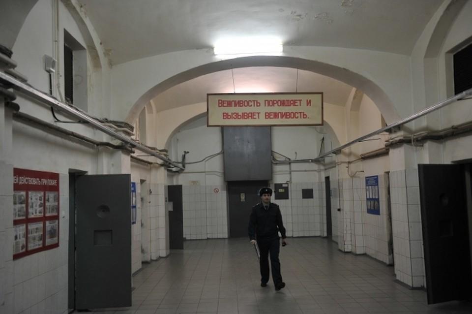 Минюст России разрешил арестантам в СИЗО звонить малолетним детям